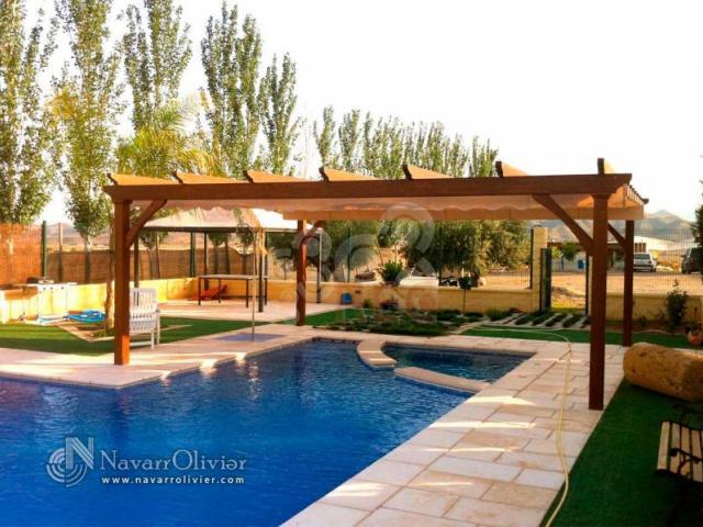 Toldos de sombraje profesionales y empresas recomendados for Pergolas para piscinas